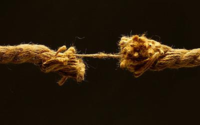 Monte su negocio en Internet - Cuerda a punto de romperse